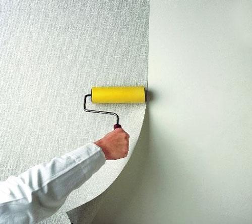 как клеить флизелиновые обои для стен фото